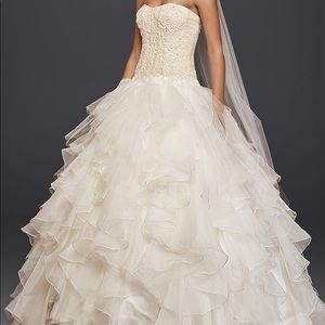 Beautiful ballroom wedding gown by Oleg Cassini